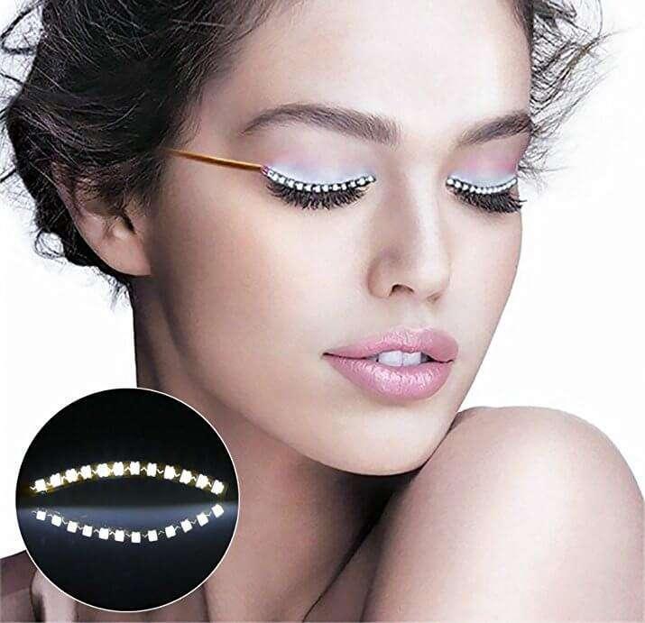 Ciglia finte a LED! Illumina gli occhi, dai una lezione alle tue amiche su chi ce le ha più lunghe! circa 11€