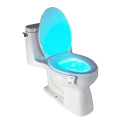 Luce automatica notturna per WC. Si accende solo avvicinandosi, per vederci chiaro... circa 4€