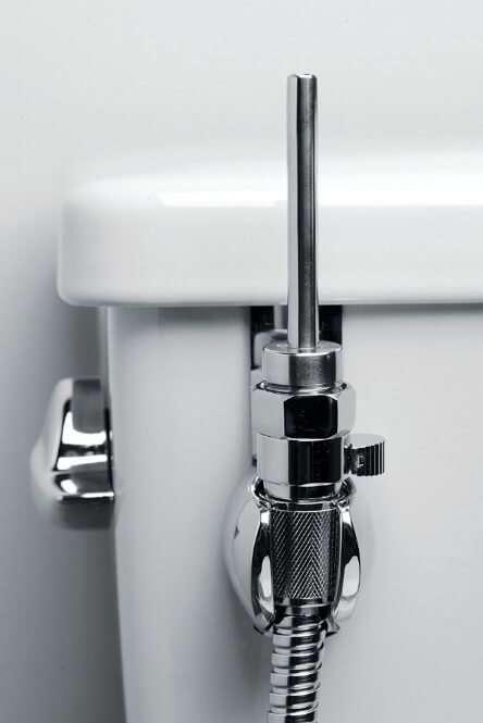 """Pistola ad acqua multiuso per """"giocare"""" e/o per pulire quando lasci una """"sgommatina"""", rendi il tuo bagno un luogo accogliente! Facile da montare 90€"""